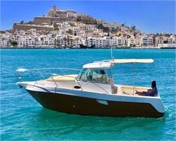 Yacht Charter Faeton 780