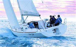 Yacht Charter Ronautica 330