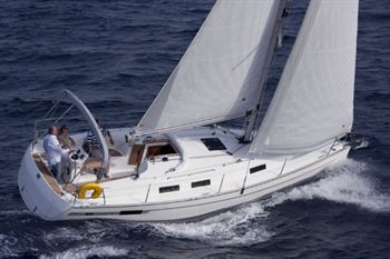 Yacht Charter Bavaria 32 Cruiser  - Sailing Yacht in Kiel - Germany