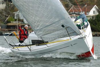 Yacht Charter Sun Fast 3200 Punch - Sailing Yacht in Nieuwpoort - Belgium
