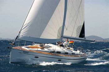 Yacht Charter Bavaria 40 Cruiser  - Sailing Yacht in Lefkas - Greece