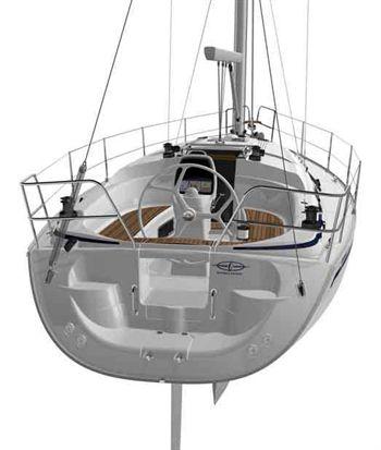 Yacht Charter Bavaria 33 Cruiser Swing - Sailing Yacht in Sardinia / Alghero - Italy