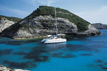 Yacht Charter Belize 43  - Sailing Yacht in New Caledonia / Noumea - New Caledonia