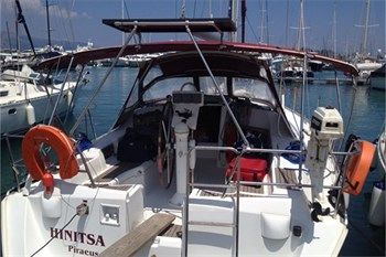 Yacht Charter Oceanis 393 Hinitsa - Sailing Yacht in Corfu / Marina Gouvia - Greece