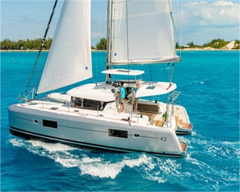 Yacht Charter Lagoon 42 Beta Persei II - Sailing Yacht in St. Martin / Marigot - Saint Martin