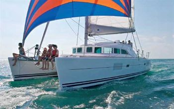 Yacht Charter Lagoon 380 S2 ONLY LOVE - Sailing Yacht in Martinique / Le Marin - Martinique