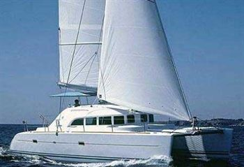Yacht Charter Lagoon 380  - Sailing Yacht in Lefkas - Greece
