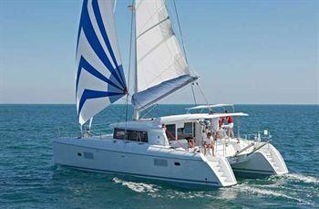 Yacht Charter Lagoon 421  - Sailing Yacht in St. Martin / Anse Marcel - Saint Martin