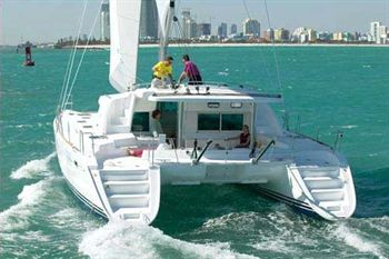 Yacht Charter Lagoon 440  - Sailing Yacht in Martinique / Le Marin - Martinique