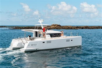 Yacht Charter Lagoon 40 PC  - Motor Yacht in New Caledonia / Noumea - New Caledonia