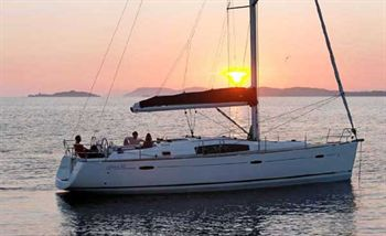 Yacht Charter Oceanis 43 ANDROMACHI - Sailing Yacht in Lefkas - Greece