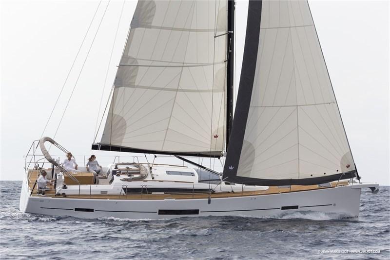 Аренда яхты Dufour 520 Grande Large (5Cab)  /2018