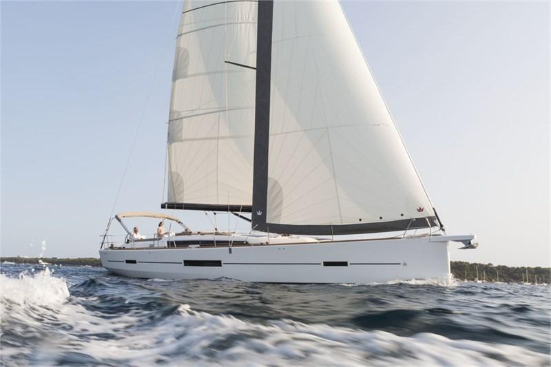 Аренда яхты Dufour 520 Grande Large (3Cab)  /2020