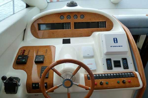 Yacht Charter - Azimut 52