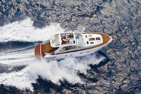 Yacht Charter Bavaria Sport 43 HT
