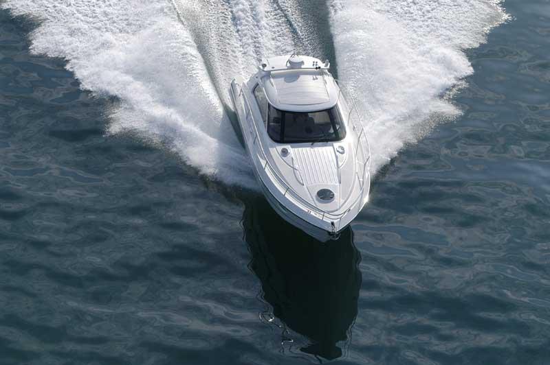 Yacht Charter Elan Power E35 Hardtop ...