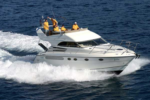 View of Fairline Phantom 40. Possible variations in details