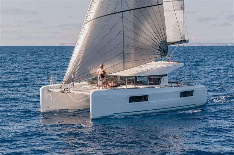 Аренда яхты Lagoon 40 (4Cab)  /2018