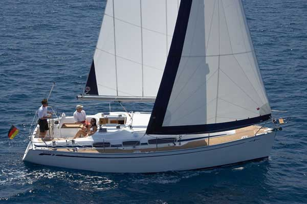 Yacht Charter Bavaria 31 Cruiser (2Cab)