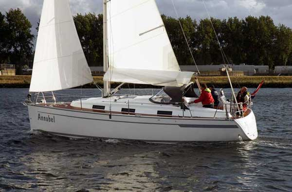 "1 Customer Review for Bavaria 32 Cruiser. Latest by ""Frank"""