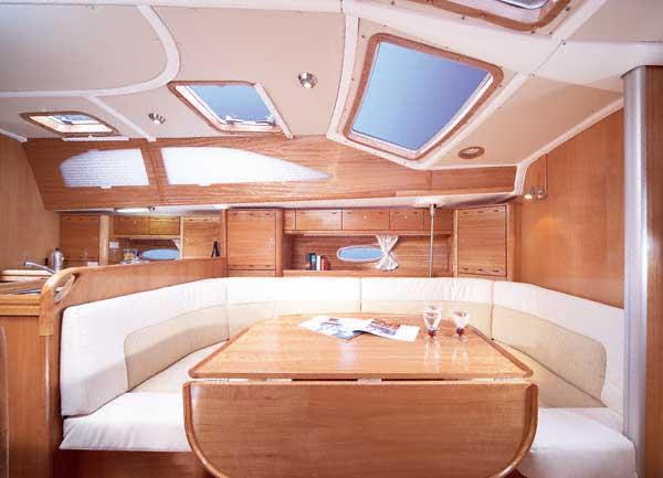 Yacht Charter Bavaria 40 Vision ...