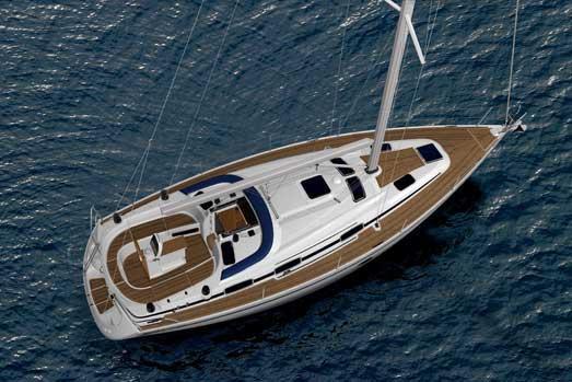Yacht Charter Bavaria 37 Cruiser ...