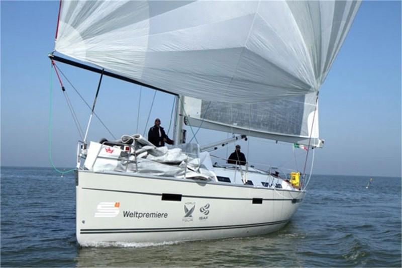 Аренда яхты Bavaria 40 Sport (3Cab)  /2012