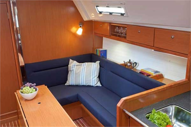 Yacht Charter Bavaria Cruiser 36 ...