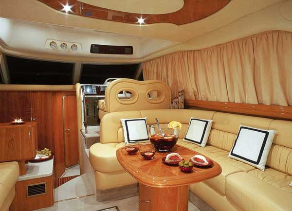 Yacht Charter Cranchi 40 Fly