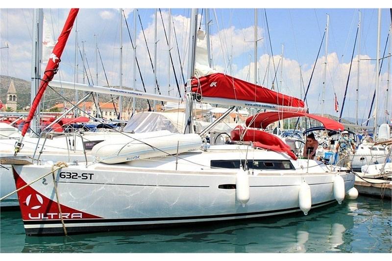 Аренда яхты Oceanis 31 (2Cab)  /2008