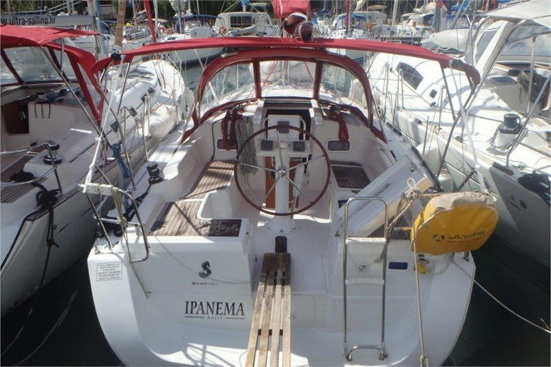 Аренда яхты Oceanis 34 (3Cab)  /2009