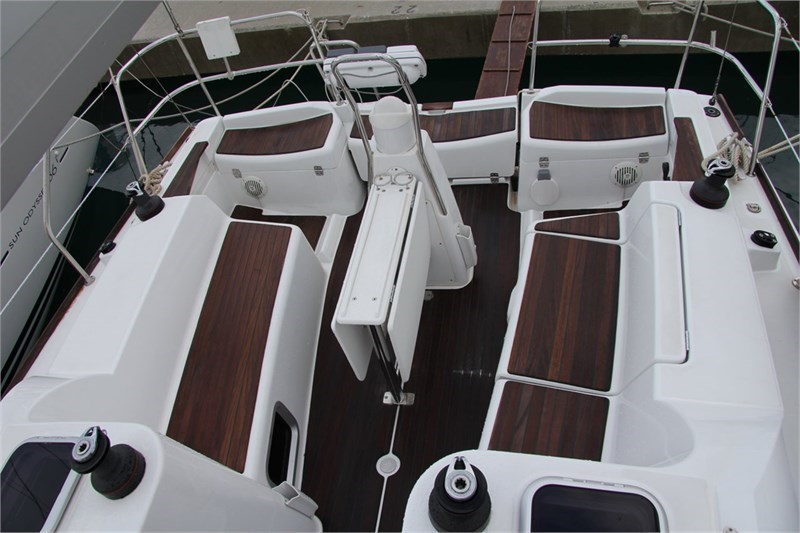 Аренда яхты Sun Odyssey 36i (3Cab)  /2010