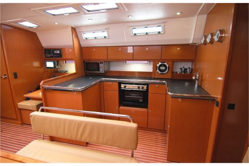 Аренда яхты Bavaria Cruiser 50 (5Cab)  /2013