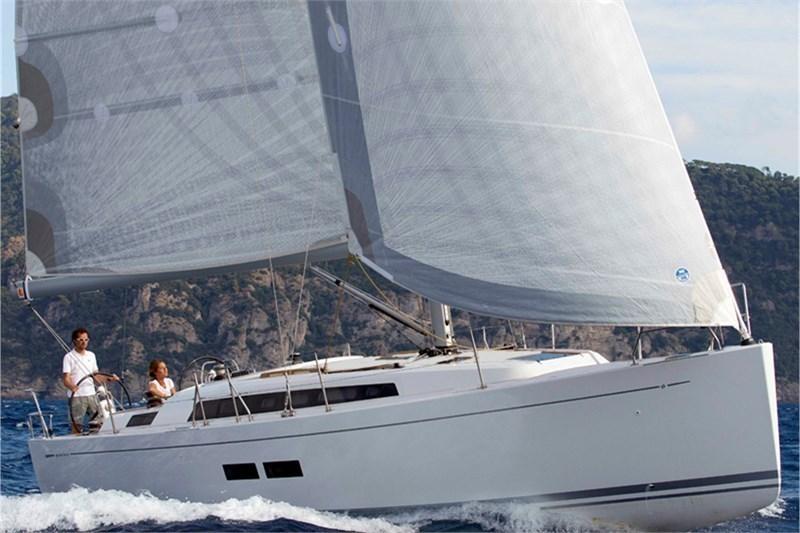 Аренда яхты Grand Soleil 39 (3Cab)  /2013