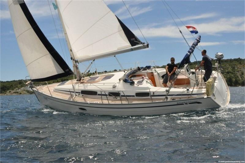 Аренда яхты Bavaria 34 Cruiser (2Cab)  /2008