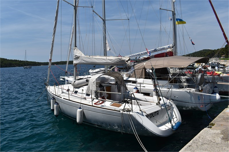 Аренда яхты First 31.7 (2Cab)  /2007