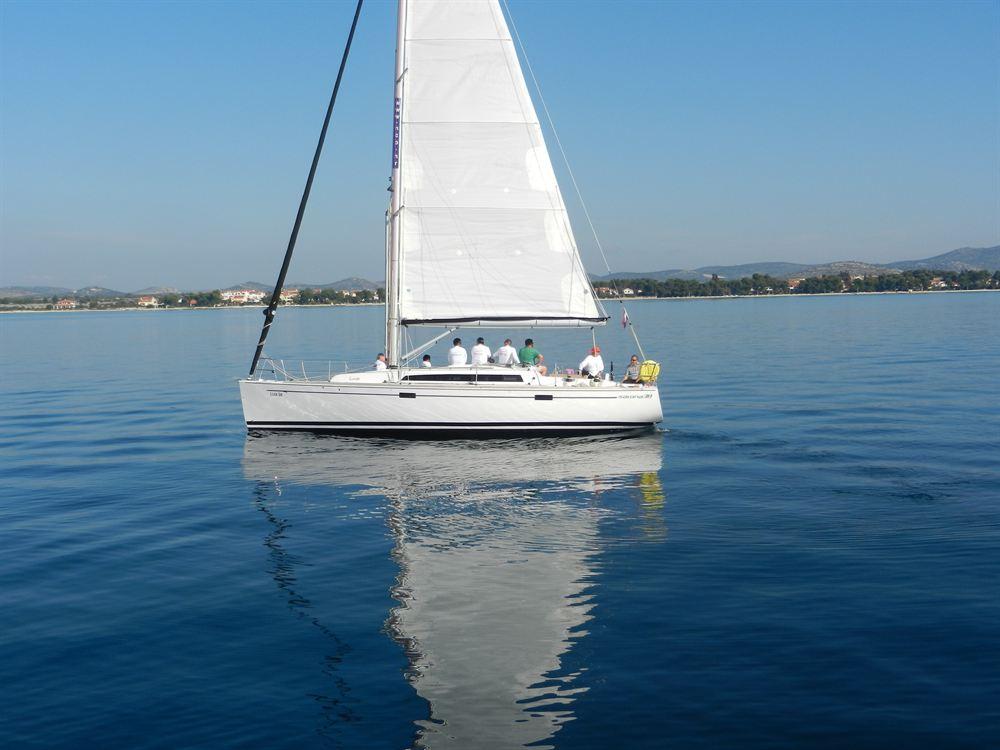Аренда яхты Salona 38 (3Cab)  /2013