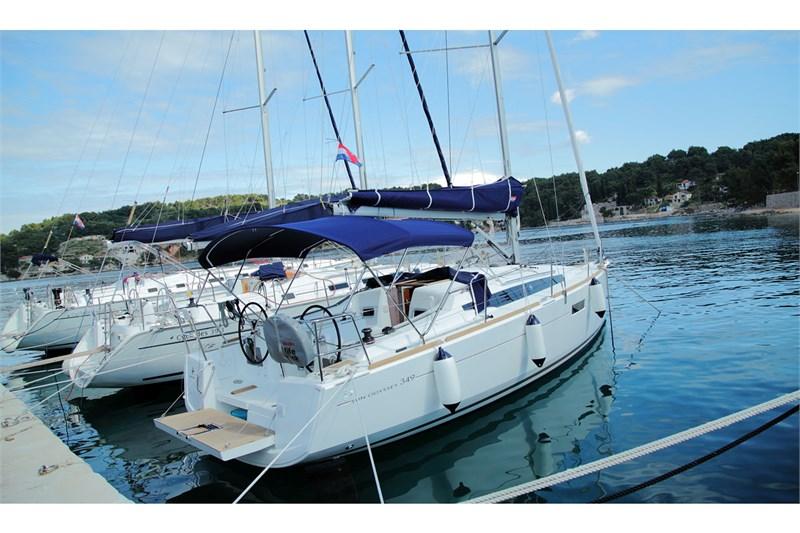 Аренда яхты Sun Odyssey 349 (3Cab)  /2015