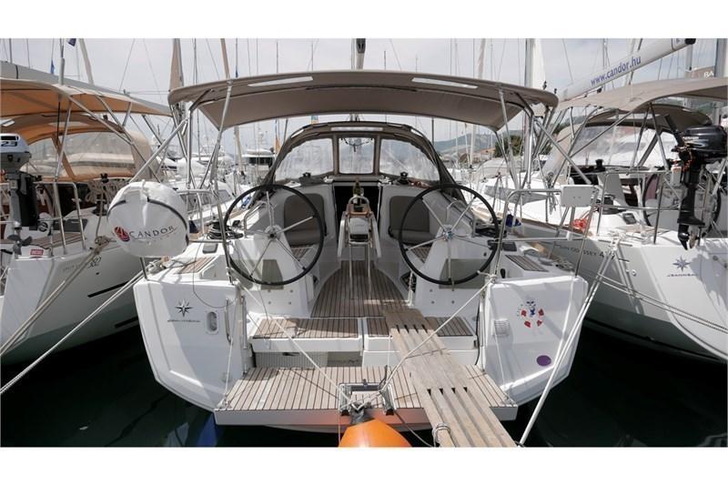 Аренда яхты Sun Odyssey 349 (2Cab)  /2016