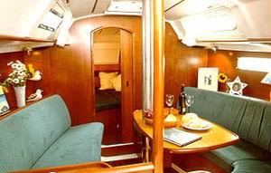 Аренда яхты Oceanis 331 (2Cab)  /2000