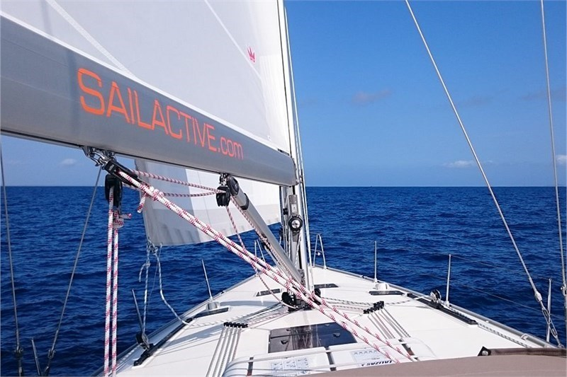 custom/33478/SAILACTIVE_Bavaria_Cruiser_51_01_pic7 800 533