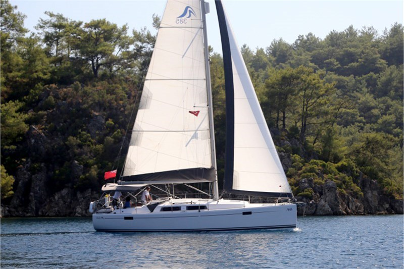 Аренда яхты Hanse 385  /2013