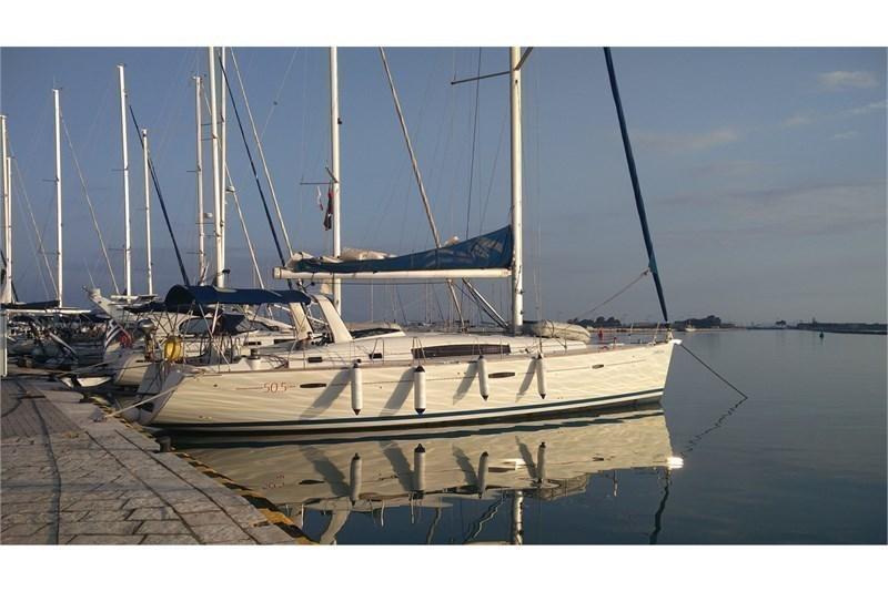 Аренда яхты Oceanis 50 Family (4Cab)  /2011