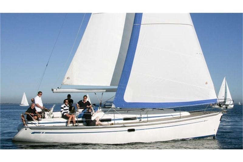 Аренда яхты Bavaria 34 Cruiser (2Cab)  /2009