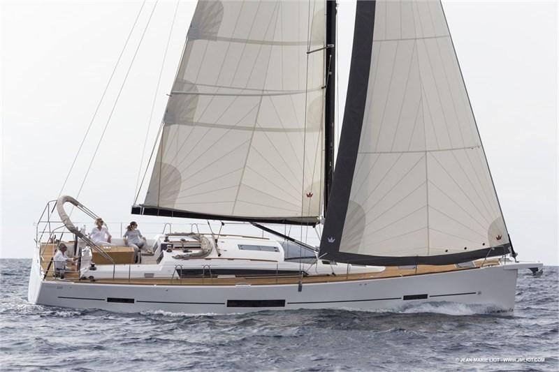 Аренда яхты Dufour 520 Grande Large (5Cab)  /2019