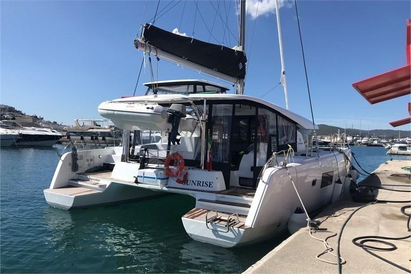 Аренда яхты Lagoon 42 (4Cab)  /2019