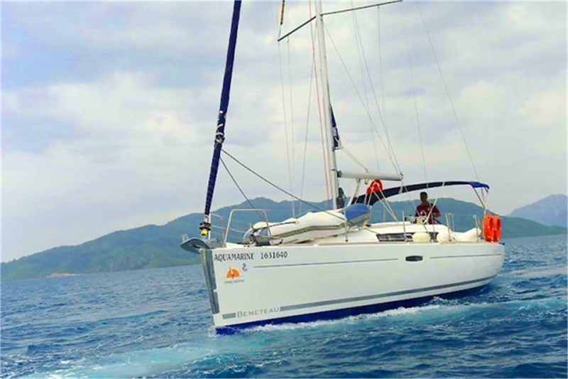 Аренда яхты Oceanis 34 (3Cab)  /2008