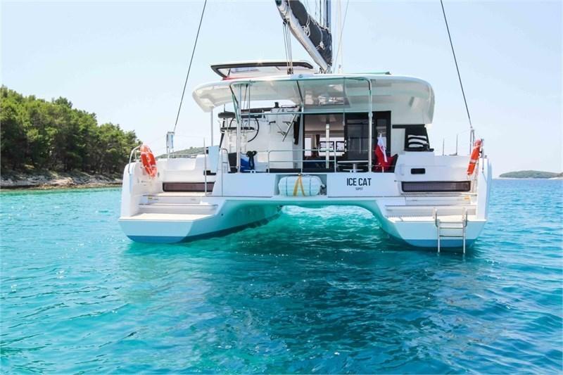 Аренда яхты Lagoon 42 (4Cab)  /2018