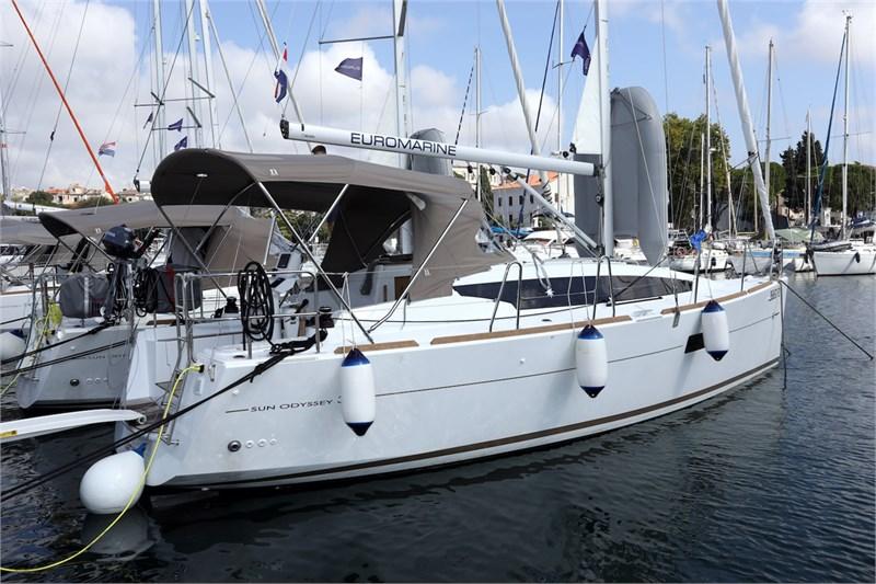 Аренда яхты Sun Odyssey 319 (2cab)  /2020