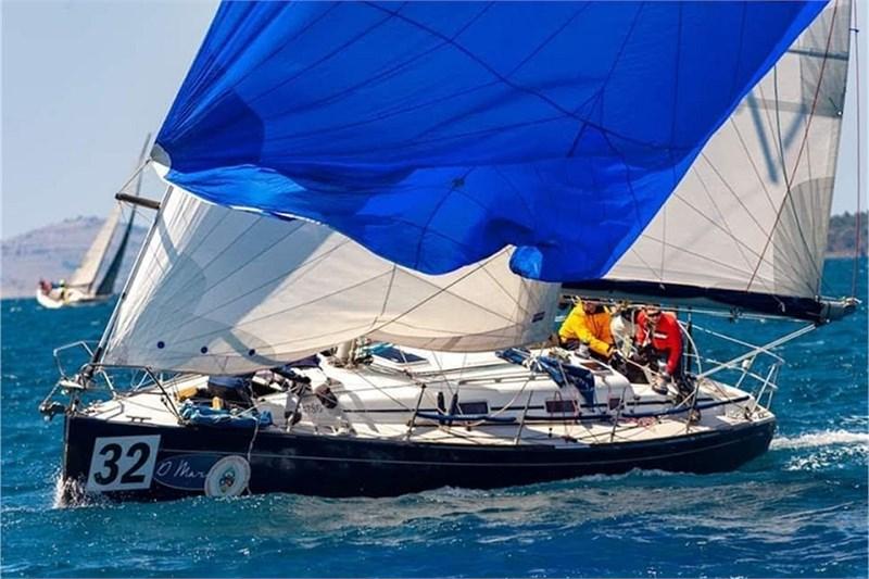 Аренда яхты Grand Soleil 40 Race (3Cab)  /2003